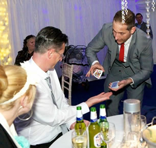 wedding-magician-table1
